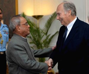 Prince Karim Aga Khan calls on the President Mukherjee