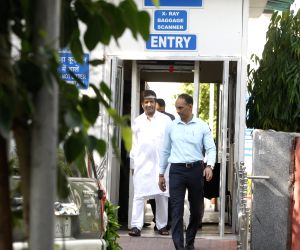 New Delhi: Jammu and Kashmir Democratic Freedom Party leader Shabir Shah leaves after being produced before Patiala House court in New Delhi on July 26, 2017. Shah, arrested on charges of money laundering has been sent to seven days custody with the