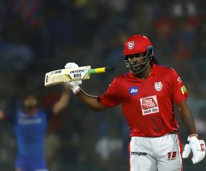 KXIP ride on Gayle's 69 to score 163/7 against DC