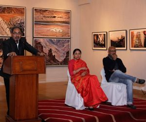 Deepti Naval, Shantanu Moitra at Kishore Thukral's photography exhibition