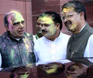 Parliamentarian celebrates holi at Parliament