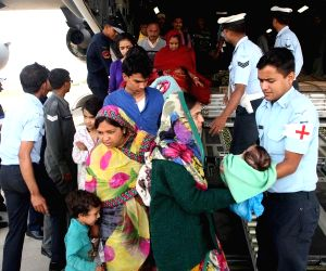 Nepal earthquake victims arrive at Palam Airport
