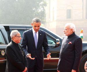 President Mukherjee and PM Modi welcome Obama at Rashtrapati Bhavan