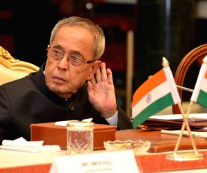 President Mukherjee during the rapporteurs'summarization on global roundtable