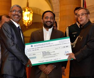 'First Visitor's Award - 2015' at Rashtrapati Bhavan
