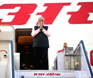 Modi arrives at Delhi