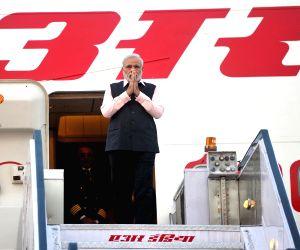 Modi arrives at Delhi