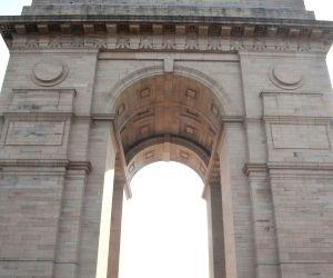 Centenary commemoration of World War - I - PM lays wreath at Amar Jawan Jyoti