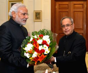 Modi calls on President Mukherjee