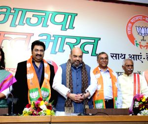 Kumar Sanu joins BJP