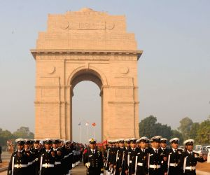 Soldiers during Vijay Diwas celebrations at the Amar Jawan Jyoti, India Gate in New Delhi, on Dec 15, 2014.