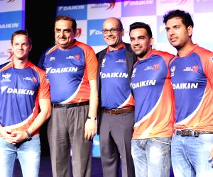 New jerseys of Delhi Daredevils for IPL 2015 unveiled