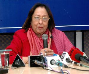 Najma A. Heptulla in interacts with the Members of Indian Women's Press Corps