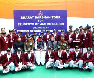 J&K students on Bharat Darshan tour meet Rajnath
