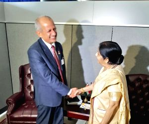 Sushma begins bilateral interactions at UN, meets Nepal Foreign Minister