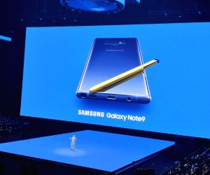 Samsung Galaxy Note 9: Beauty meets beast in premium segment