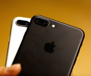 Apple asks iPhone users to share best photos