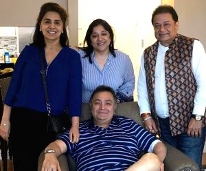 New York: Singer Anup Jalota visits actor Rishi Kapoor in New York where the actor is undergoing medical treatment since last year, on July 9, 2019. Rishi Kapoor on Tuesday night shared a photograph of himself with his wife Neetu Kapoor and Jalota. H