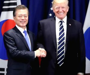 Moon, Trump agree on Korea's development of advanced military assets