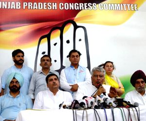 Jakhar assumes charge Punjab Congress chief
