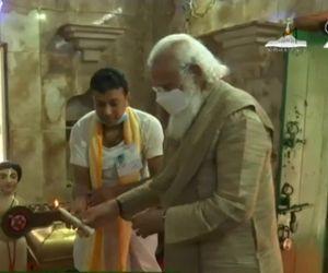 B'desh is strong example of communal harmony: Modi