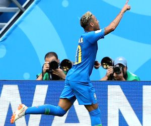 Brazil edge past brave Costa Rica with last gasp goals
