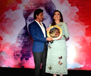 Shahrukh Khan launches Gunjan Jain book She Walks She Leads