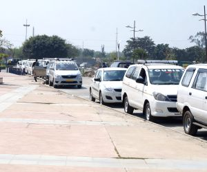 Income Tax raid on Noida shopping mall