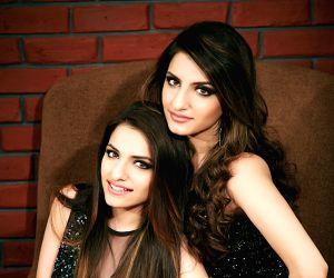 'Noor' special for sisters Prakriti, Sukriti ()