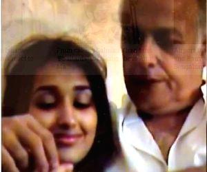 Free Photo: Old video of Mahesh Bhatt with Jiah Khan goes viral