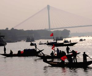 CPI (M) workers demonstration on Hooghly