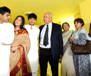 PCB chief meets Jagmohan Dalmiya's wife