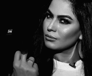 Netizens enraged as Veena Malik disrespects Indian Army