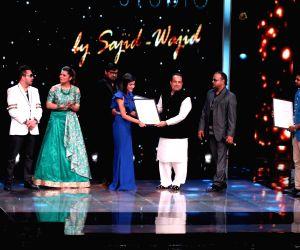 Rahat Fateh Ali Khan on the sets of  Zee TV's Sa Re Ga Ma Pa