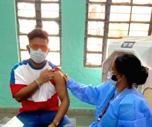 Pant gets first jab of Covid-19 vaccine