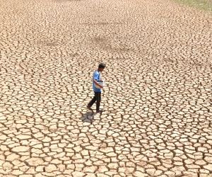 Dry as a bone - Parched sights from around the globe