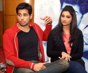 Parineeti Chopra and Sidharth Malhotra. (Photo: Amlan Paliwal/IANS)
