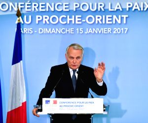 FRANCE-PARIS-MIDDLE EAST PEACE CONFERENCE-PRESS CONFERENCE