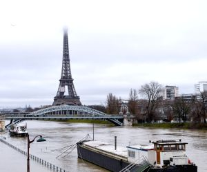 FRANCE PARIS FLOODS RISK ORANGE ALERT