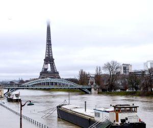 FRANCE PARIS FLOODS RISK ORANGE ALERT
