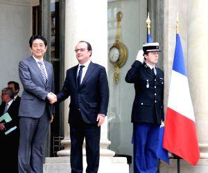 FRANCE PARIS JAPAN ABE VISIT