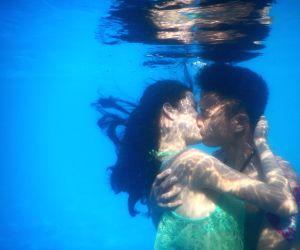 CHINA HUBEI WUHAN UNDERWATER KISSING CONTEST