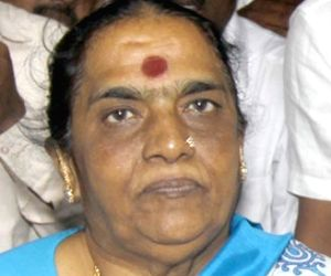 Parvathamma Rajkumar, wife of actor Dr. Rajkumar passed away