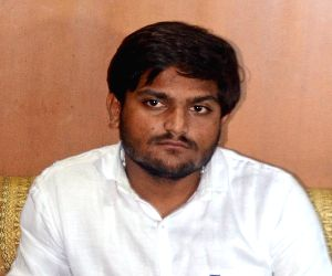 Hardik calls Patidar Nyay Panchayat, invites BJP and Congress legislators