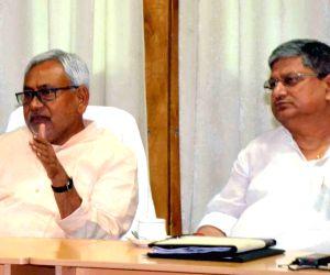 Bihar CM meets officials of Bihar Transport Dept