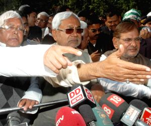 Lalu, Nitish, Sharad Yadav address press after meeting Bihar Governor