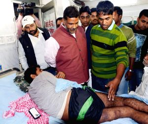 Pappu Yadav visits JD(U) student leader admitted in PMCH