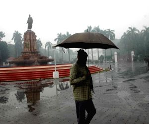 Winter rains lash Patna