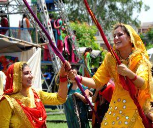 people-celebrate-teej-festival-in-amritsar-on-aug