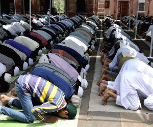 Namaz at Moti Masjid
